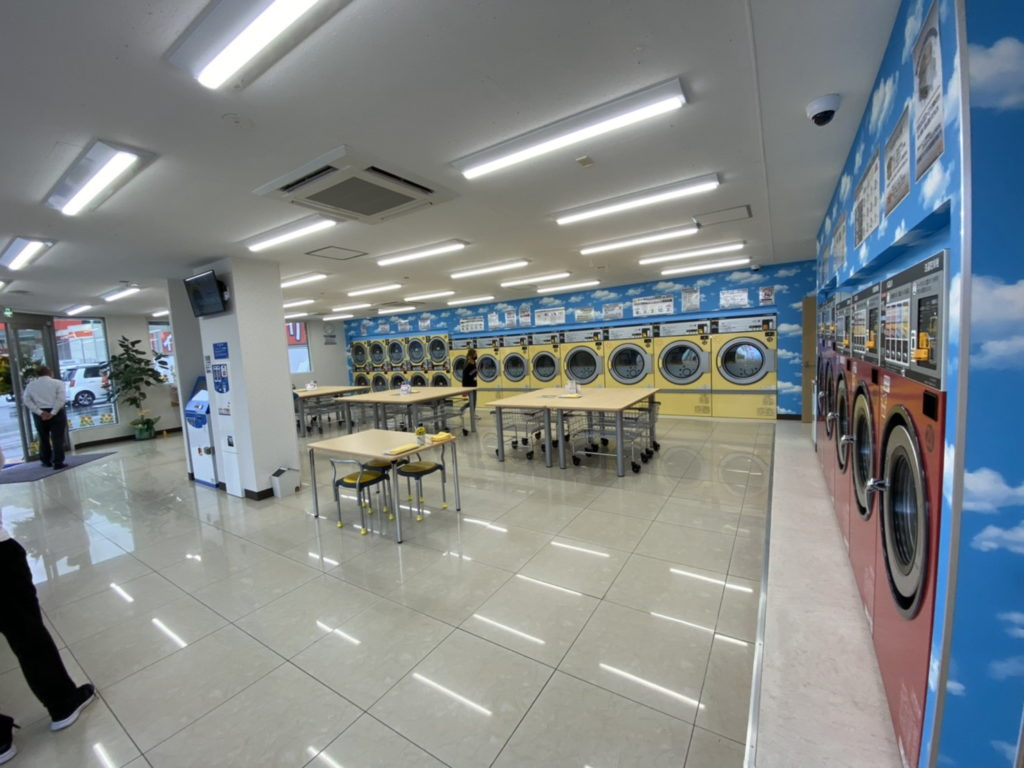 伊東市ひまわりコインランドリー 店内
